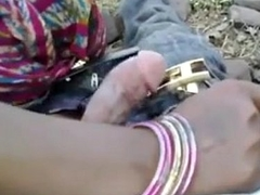 Indian Sexy bhabhi loved with her devar in Outdoor - Wowmoyback