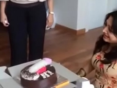 indian aunty sucking dicky cake