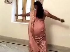 Low-spirited Hawt Aunty carrying out Desi Mujra